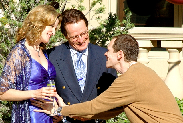 Skyler White (Anna Gunn), Walter White (Bryan Cranston) and Elliott (Adam Godley) in Episode 5